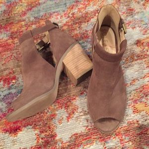 Sole society Taupe suede open-toe booties
